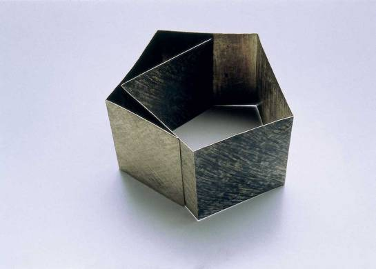 Bracelet, 1996, white gold, Niello